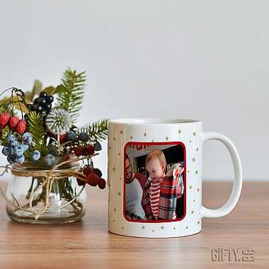 Коледна чаша с надпис -  Най-добрите майки биват повишени в баба за подарък в Gifty.BG