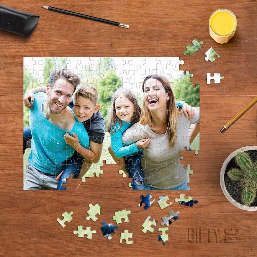Пъзел със семейна снимка или картинка по избор за подарък в Gifty.BG