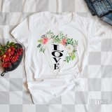 Тениска с цветя и надпис LOVE